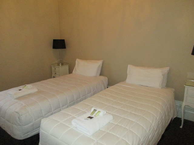 Heritage Twin Rooms (Shared bathroom facilities)